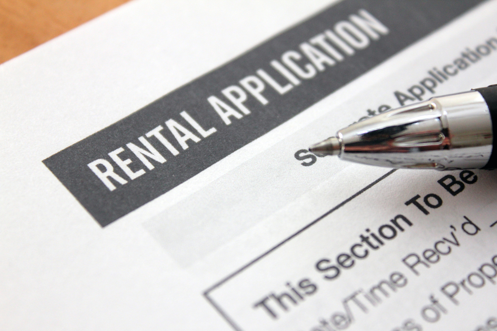 rental application with pen